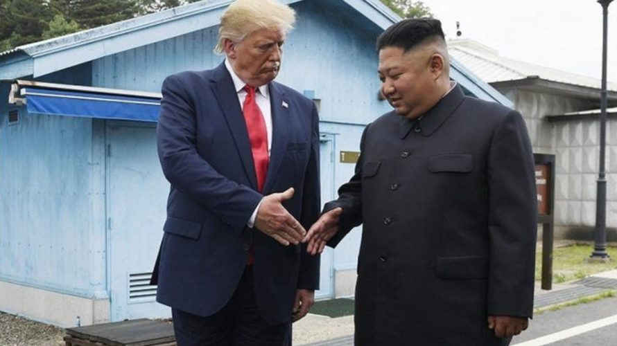孤立する韓国(文在寅):北朝鮮(金正恩)は親米スタンス